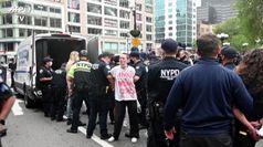 Proteste a New York per la morte di George Floyd, almeno 30 arresti