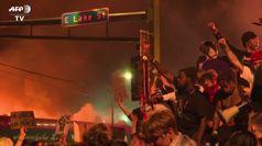 Minneapolis in fiamme, proteste per la morte di George Floyd