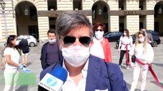 Coronavirus, flashmob di parrucchieri ed estetisti a Torino