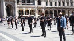 Da Levante a Diodato, flash mob degli artisti a Milano
