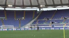 Calcio, Lazio e CRI insieme: le sagome dei tifosi nell'Olimpico a porte chiuse