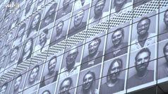 Parigi omaggia gli operatori sanitari, i ritratti sull'Ope'ra Bastille