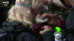 Usa, proteste a Portland: feriti dai lacrimogeni alcuni manifestanti