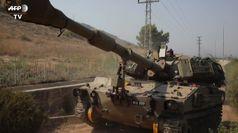 Israele, carri armati al confine con il Libano