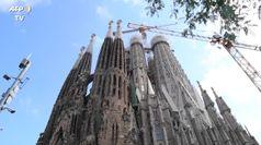 Barcellona, messa alla Sagrada Familia per le vittime del Covid