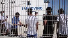 A Lampedusa ancora sbarchi, nell'hotspot senza mascherine