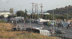 Lesbo, la polizia trasferisce i migranti dal campo di Moria
