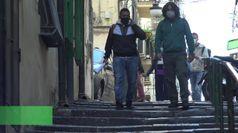 Napoli, scuole chiuse: la didattica si sposta per le strade