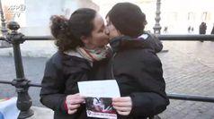 Storica svolta del papa su unioni civili per i gay