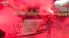 Ancora proteste a Roma contro le misure anti Covid: scontri con la polizia