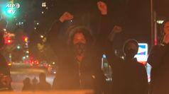 Polizia uccide un afroamericano, scontri a Philadelphia