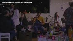 Covid, lo spot-choc delle Canarie rivolto ai giovani