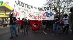 Brasile, manifestazioni dopo l'omicidio di un afroamericano