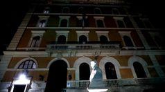 Morte Maradona, le immagini dell'ambasciata argentina a Roma