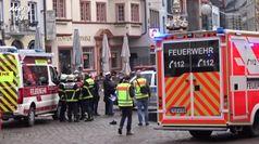 Auto sulla folla in Germania, una bimba fra le quattro vittime