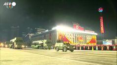 Corea del Nord, parata con i nuovi missili balistici per sottomarini