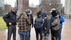Usa: manifestanti armati si riuniscono fuori dall'Ohio Capitol