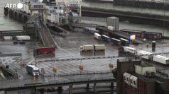 Brexit, il movimento di camion e traghetti al porto di Dover