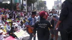 Myanmar, migliaia di proteste a Mandalay: chiesta giustizia per le persone uccise
