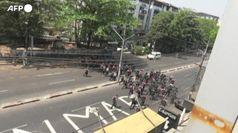 Myanmar, guerriglia urbana per le vie della capitale