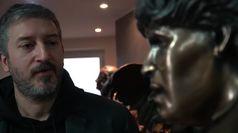 Maradona, la statua in bronzo firmata da Domenico Sepe per ricordarlo